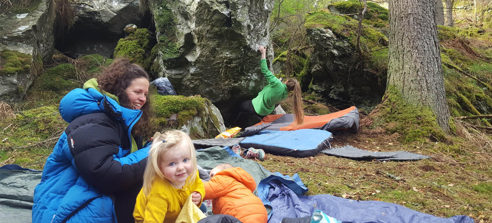 Climbing while pregnant - at the crag with children